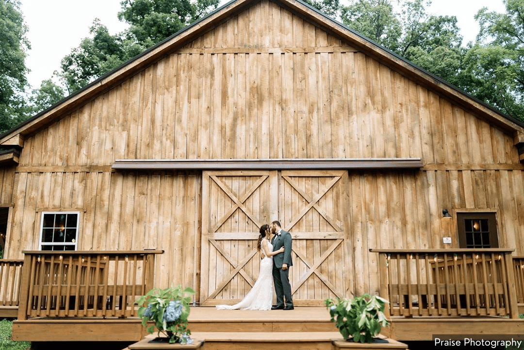 A Wedding at the Barn by Praise Photography